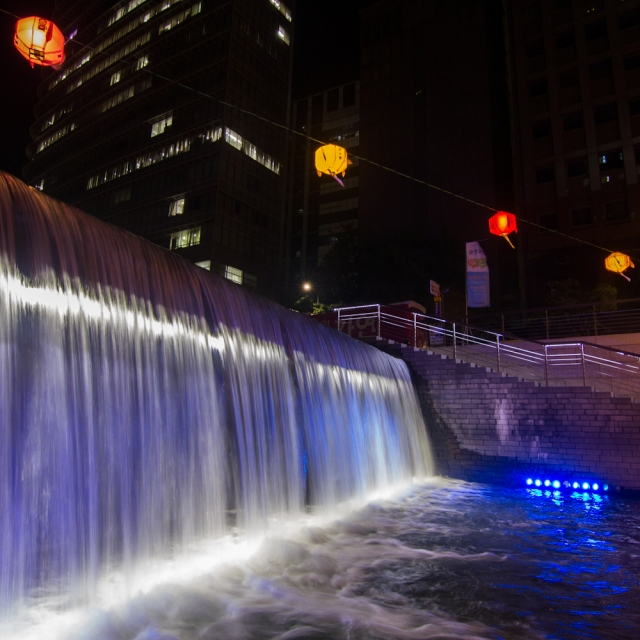 cheonggyecheon-waterfall